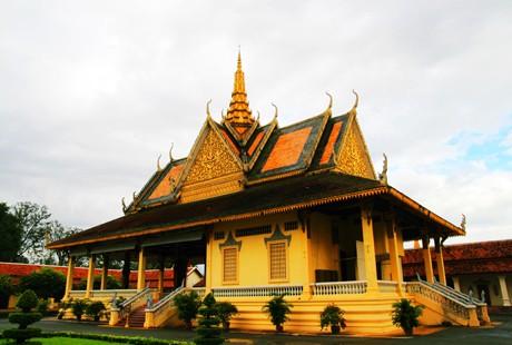 柬埔寨吴哥一地5晚6万博manbext手机官网南昌直航往返柬埔寨暹粒市(吴哥窟所在地)