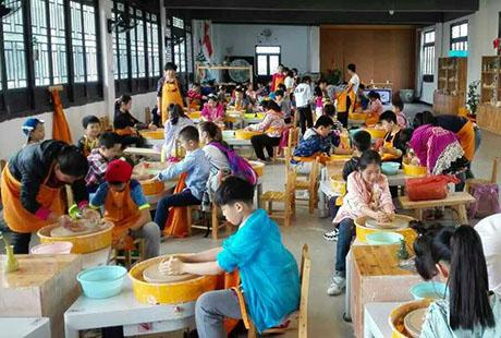 景德镇做瓷器1